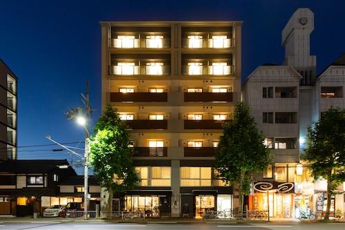 奧薩日本寧酒店/