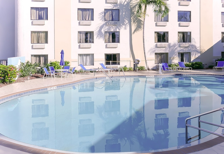 Holiday Inn Fort Myers - Downtown Area, Fort Myers, Pool