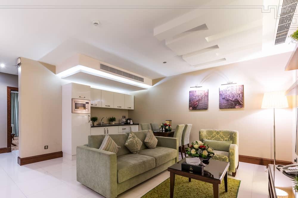 Suite básica, 2 habitaciones - Sala de estar