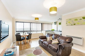 Picture of South Row Serviced Apartments - Shortstay MK in Milton Keynes