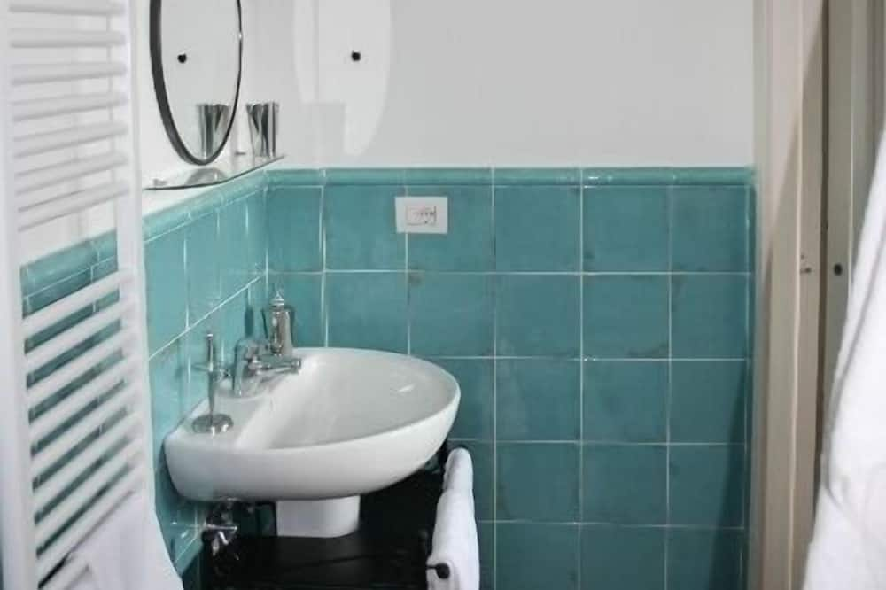 Double Room (Ortensia ) - Bathroom