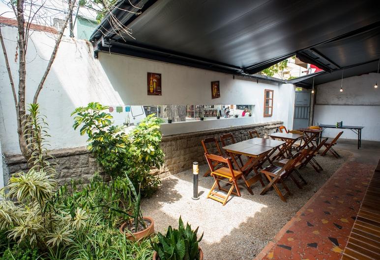 Garoa Hostel, São Paulo, Záhrada