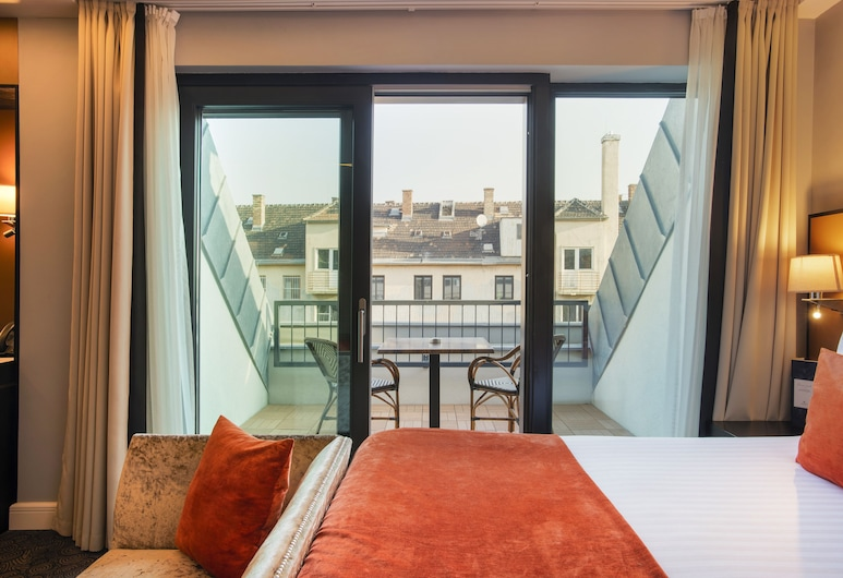 Eurostars Danube Budapest, Budapest, Superior Double Room, Balcony, Guest Room