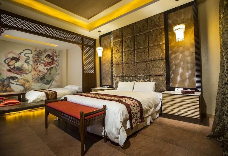 觀月商務休閒旅館, 斗六市, 經典四人房, 多張床, 按摩浴缸, 客房