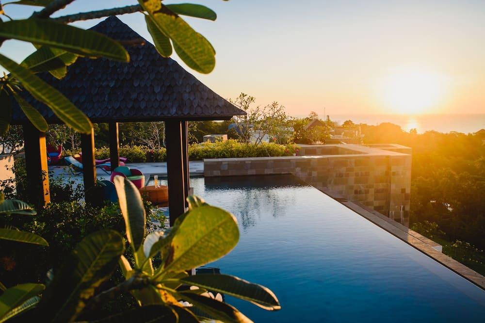 Luxury Penthouse Apartment with Rooftop Pool - Pokoj