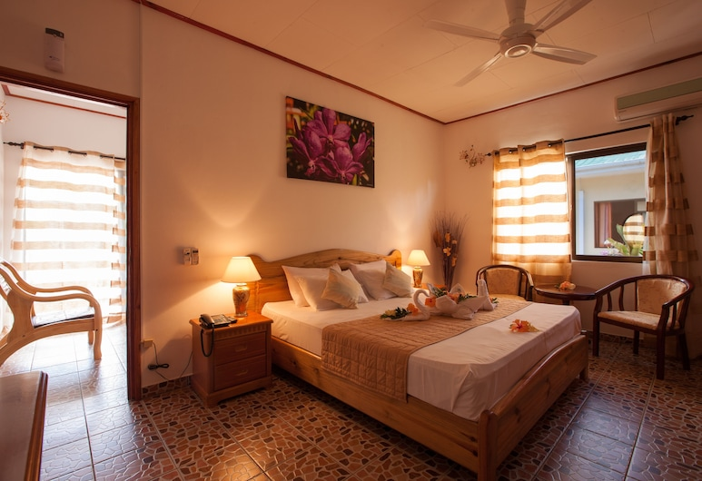 Orchid Self Catering Apartment, La Digue, Standard Apartment, 1 Double Bed, Garden View, Garden Area, Guest Room