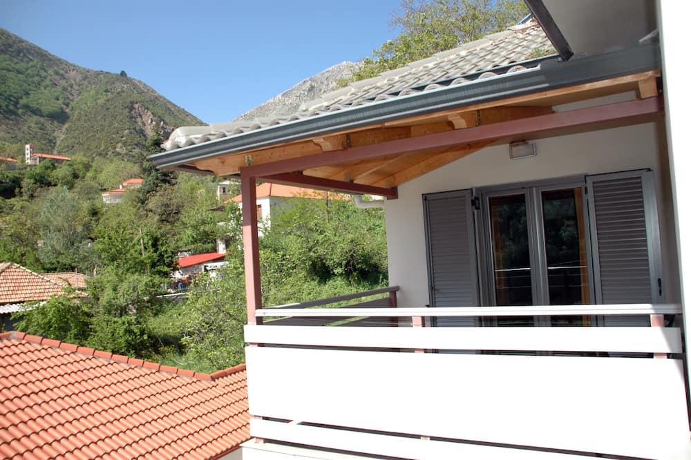 Trīsvietīgs numurs, skats uz kalniem, kalna puse - Balkons