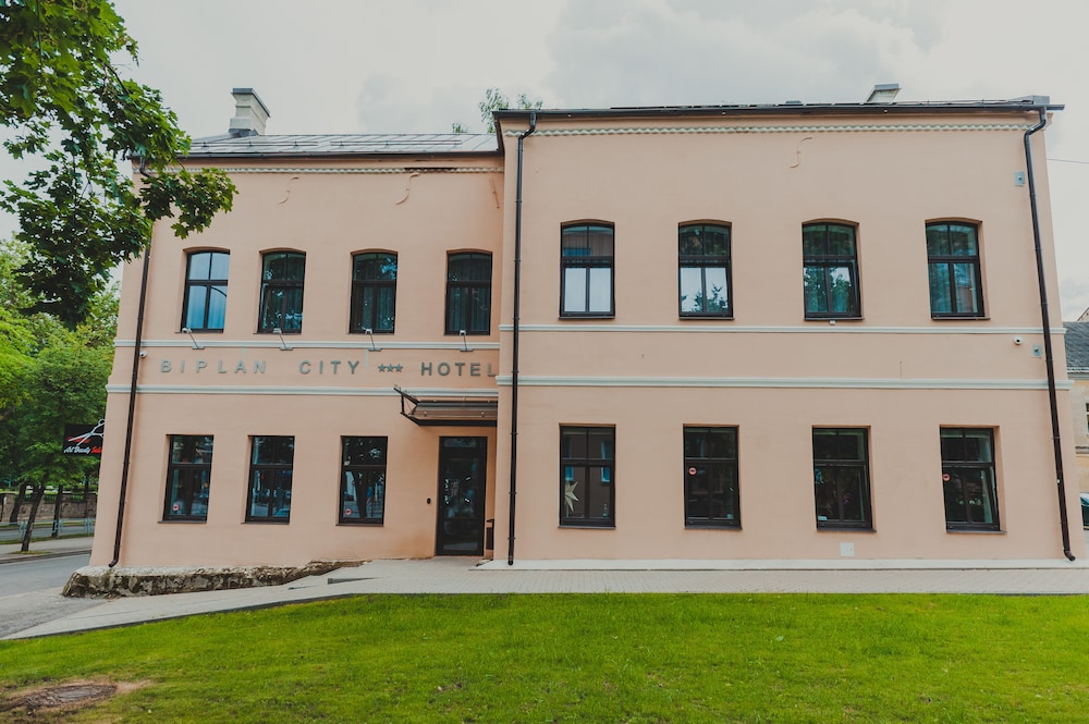 Book Biplan City Hotel in Daugavpils Hotelscom
