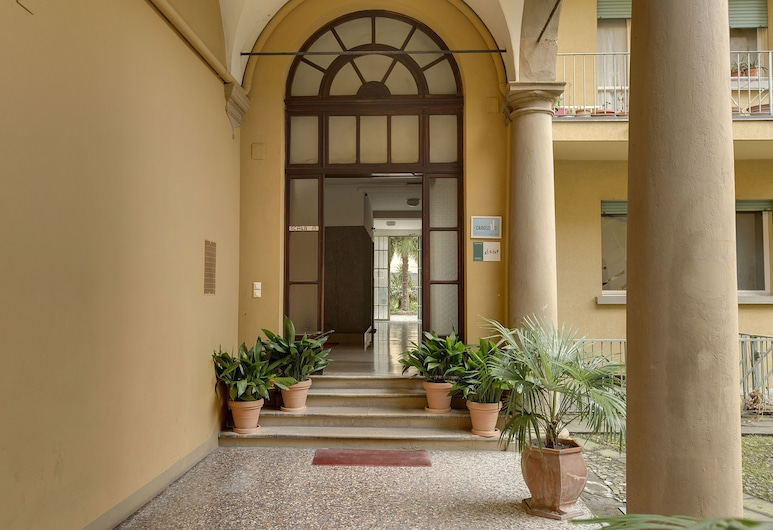 B&B Carosello, Bologna, Ingresso hotel