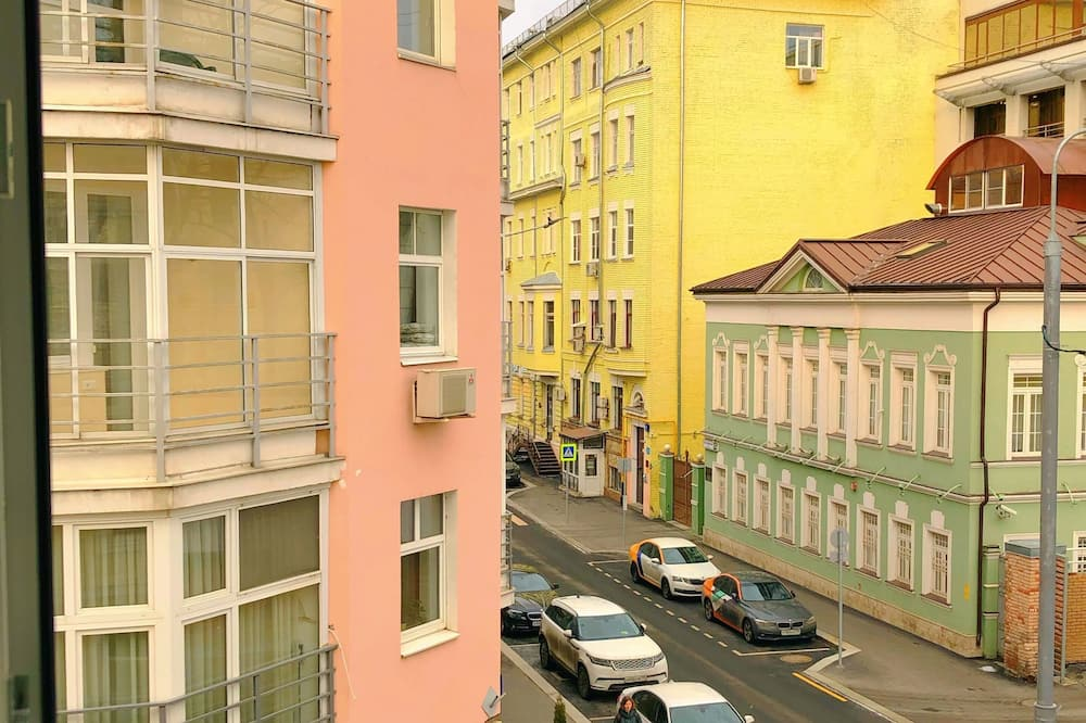 Classic Double Room - Street View