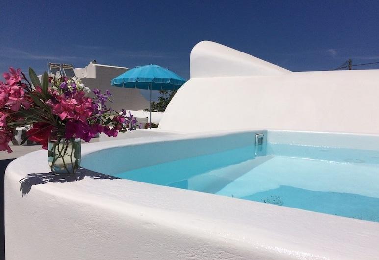 Ayoba Santorini, Santorini, Outdoor Spa Tub