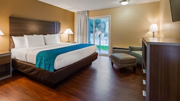 Picture of SureStay Plus Hotel by Best Western Sacramento North in Sacramento