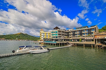 Picture of Two Seasons Coron Bayside Hotel in Coron
