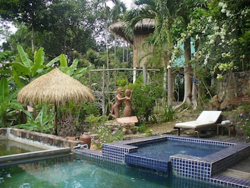 Picture of Le Bout du Monde Khmer Lodge in Kep