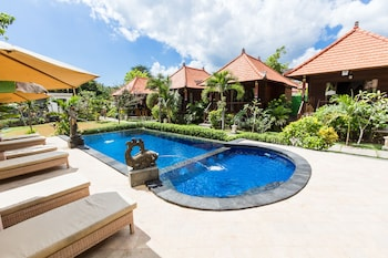 Picture of Dream Beach Cottages in Lembongan Island