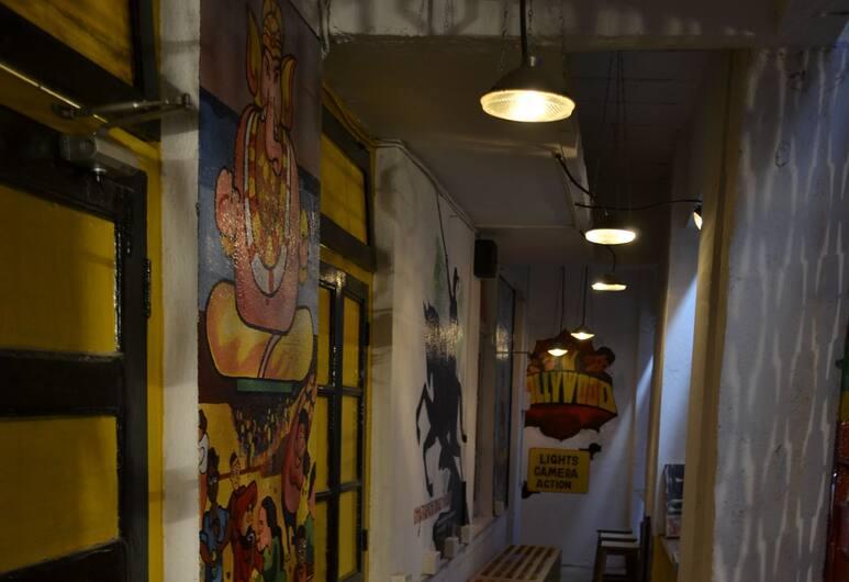 Bombay Backpackers, Mumbai, Hallway