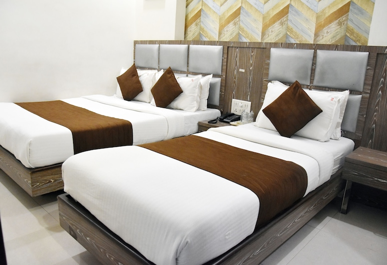 Hotel Sanjary Palace, Mumbai, Deluxe Triple Room, Guest Room