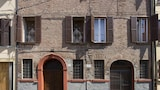 Choose this Apartment in Ferrara - Online Room Reservations