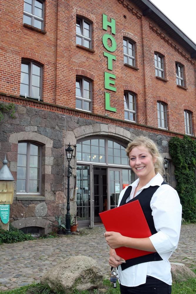 Landhotel Zur Scheune, Bollewick