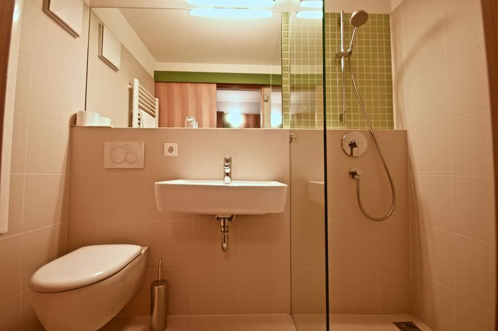 Economy Room - Bathroom