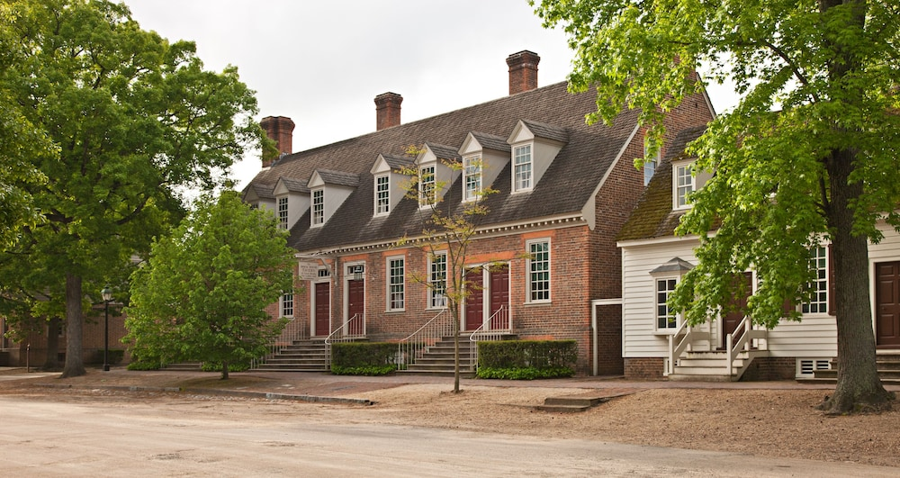 The Colonial Houses A Williamsburg Hotel