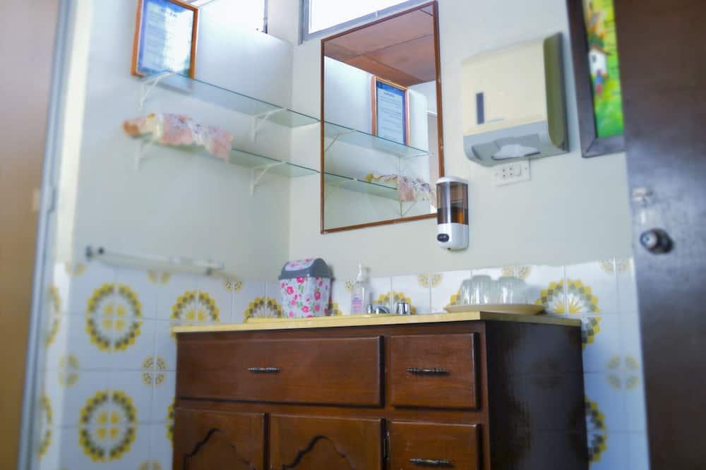 舒適雙人房, 1 張加大雙人床, 露台 - 浴室