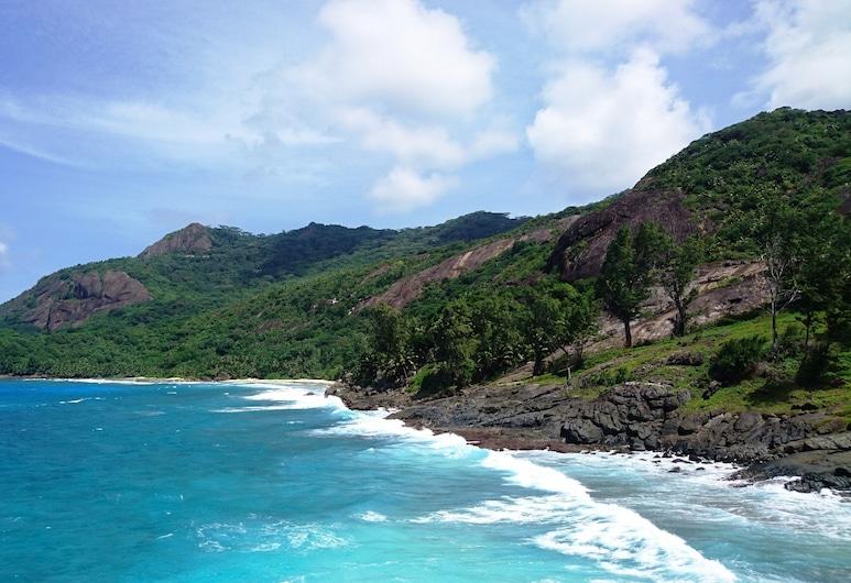 La Belle Tortue, Острів Сілует, Пляж