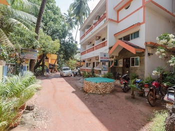 Picture of OYO StayOut Baga Party Guest House in Baga