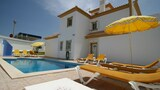 Choose this Villa in Albufeira - Online Room Reservations