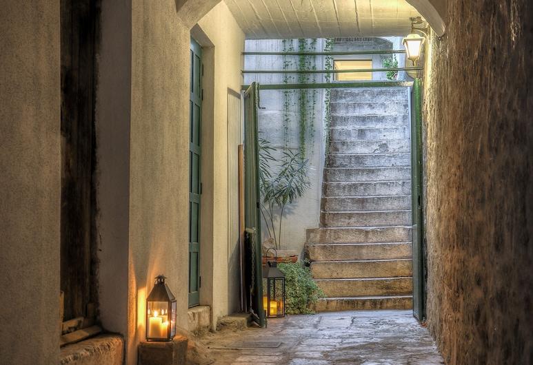 LANTERNA ROOMS, Split, Hoteleingang