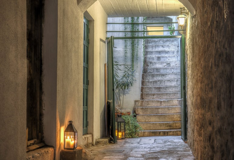 LANTERNA ROOMS, Split, Hotel Entrance