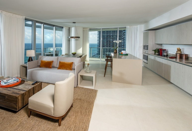 Hyde Resort & Residences, Hollywood, Room, 3 Bedrooms, Oceanfront, Living Area