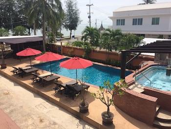 Hình ảnh Palm Beach Resort tại Pranburi