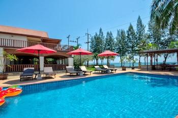Mynd af Palm Beach Resort í Pranburi