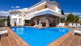 Choose This Luxury Hotel in Nerja