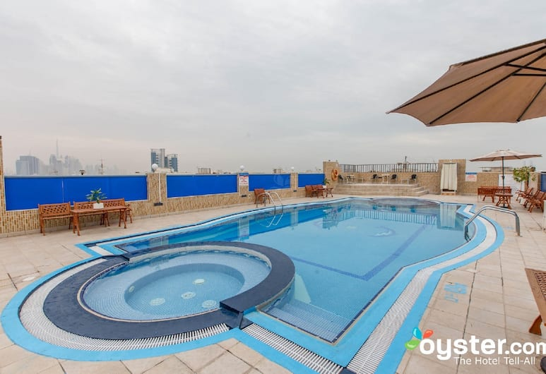 Rolla Residence Hotel Apartment, Dubai, Rooftop Pool
