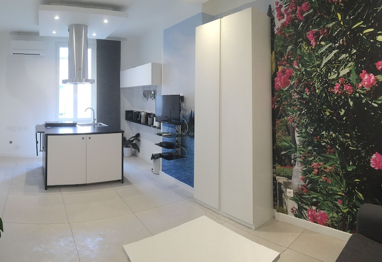 Appart. Design Marseille V.P - Anvers, Marseille, Design Apartment, Garden Area, Living Room