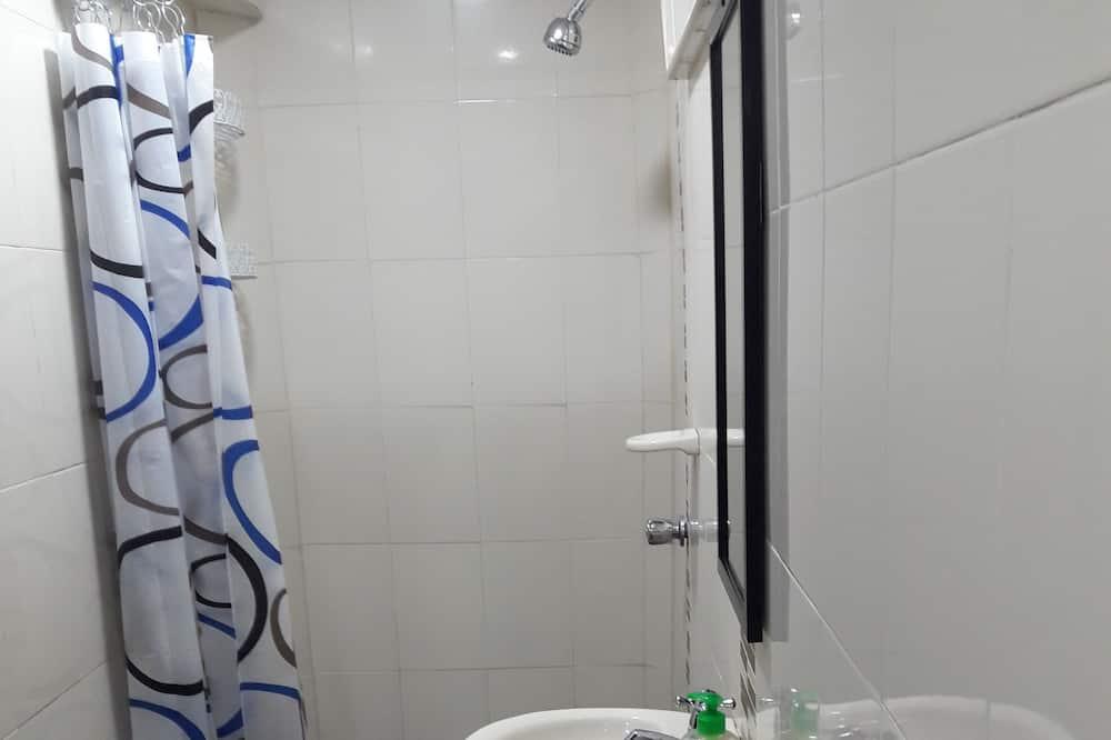 Quarto Triplo, Casa de Banho Privativa - Casa de banho