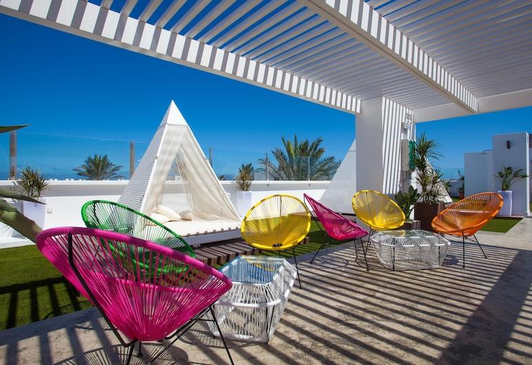 Bristol Sunset Beach - Holiday Apartments, La Oliva, Bar