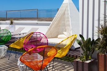 Introduce las fechas para ver los descuentos de hoteles en La Oliva