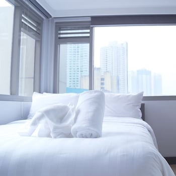 Picture of The Mini Suites - Eton Tower Makati in Makati