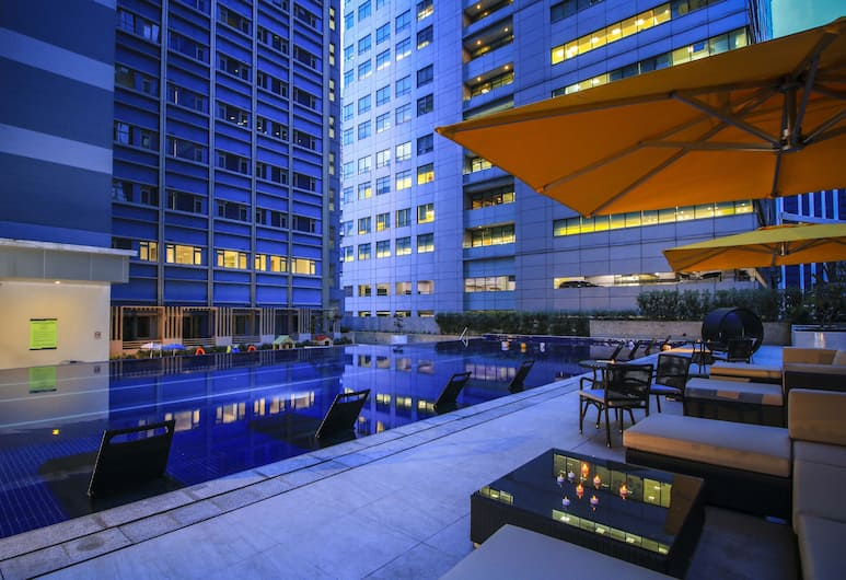 The Mini Suites - Eton Tower Makati, Makati, Kolam Renang Luar Ruangan