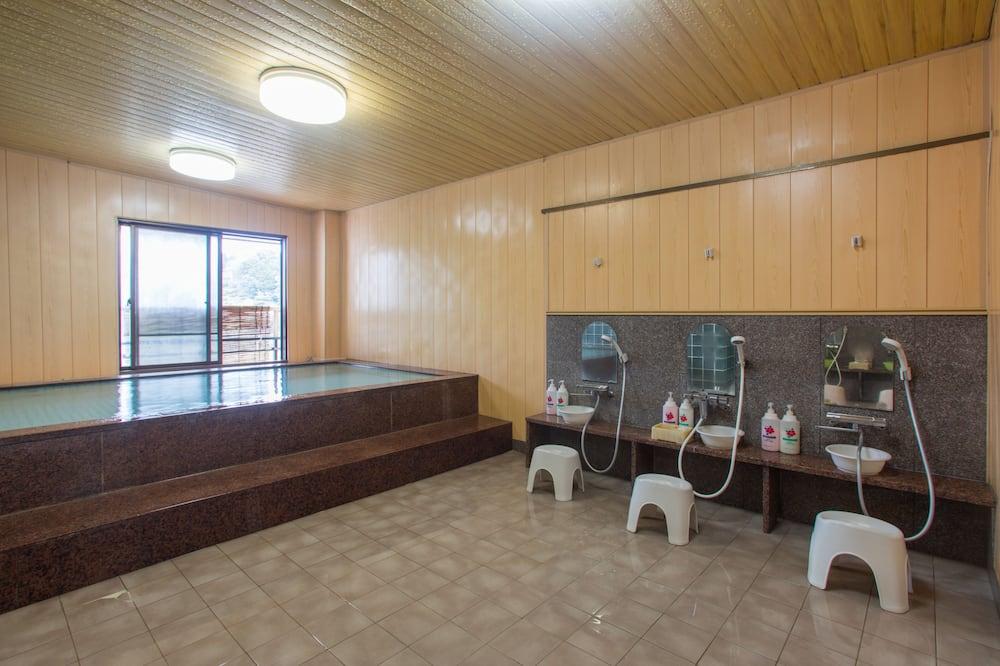 Tradicionális szoba, dohányzó, közös fürdőszoba - Fürdőszoba