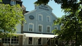 Book this Parking available Hotel in Rochefort
