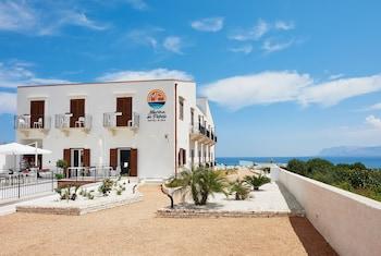 תמונה של Marina di Petrolo Hotel & Spa בקסטלמארה דל גולפו