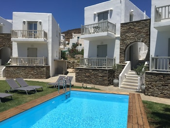 ภาพ Ninemia Suites & Open air Spa ใน Tinos