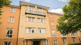 Choose this Apartment in Cardiff - Online Room Reservations