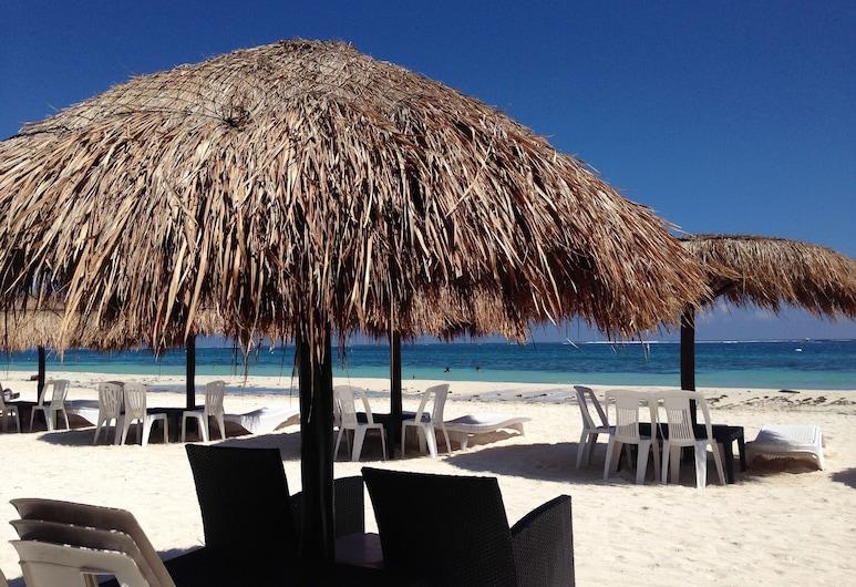 غراند هوتل جوتا دو سال, توِرتو موريلوس, الشاطئ