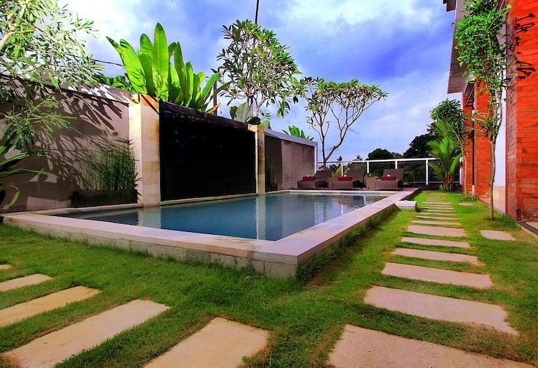水明漾庫布峇里套房酒店, 科洛布坎, 室外泳池