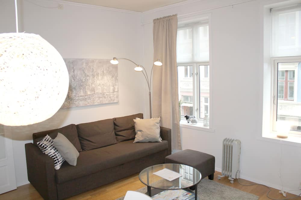 City Apartment, 1 Bedroom, Non Smoking, Kitchen - Living Room